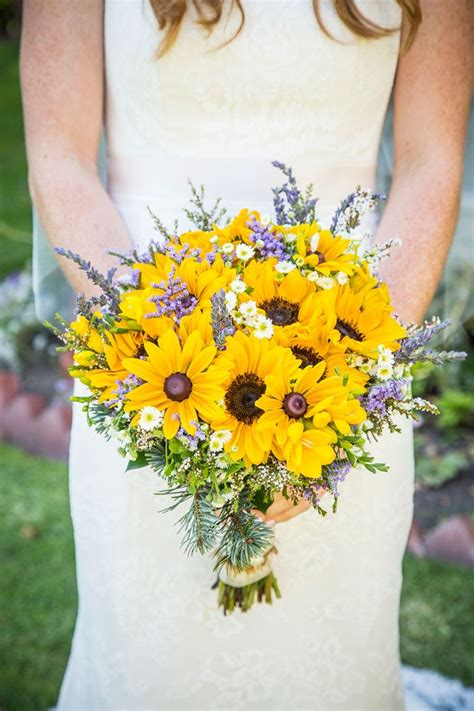 Wedding Bouquets Using Sunflowers by The 25 Best Sunflower Bouquets Ideas On