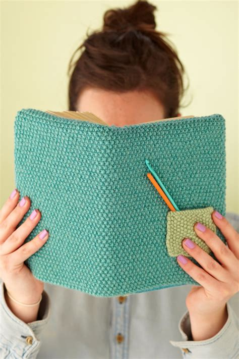 knit cover pattern 32 easy knitted gifts that you can make in hours diy