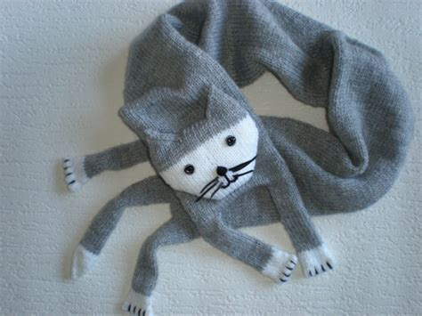 knitting pattern cat scarf image