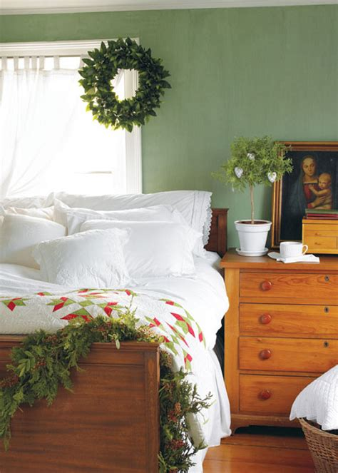 Bedroom Garland by 20 Garland Decorating Ideas Bright Bold And