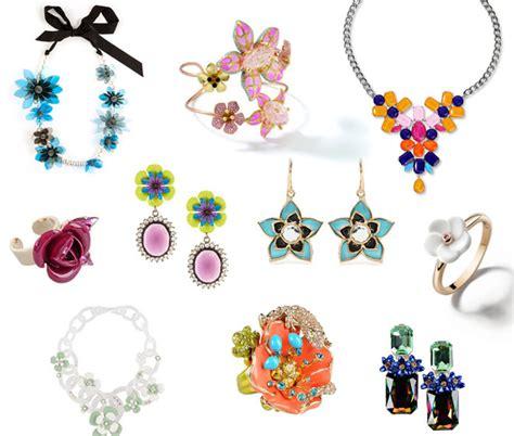 gioielli fiore camelie e orchidee gioielli pieni di fiori per la