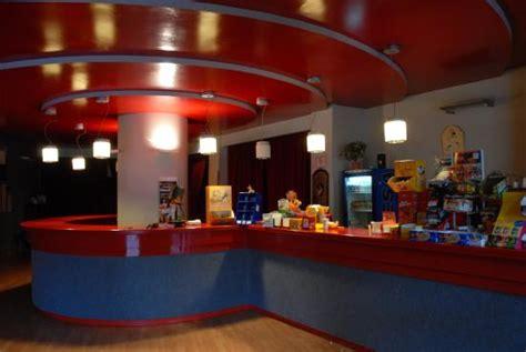 foyer teatro foyer teatro san raffaele roma foto di teatro san