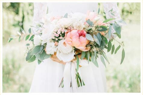 popular spring flowers the 19 best flowers for your spring wedding ftd com
