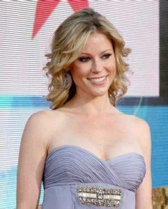 Julie Bowen Measurements Height Weight Bra Size Body   julie bowen body measurements weight height bra size age