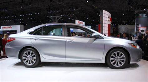 2019 Toyota Camry Se Hybrid by 2019 Toyota Camry Hybrid Se Specs Features And Price