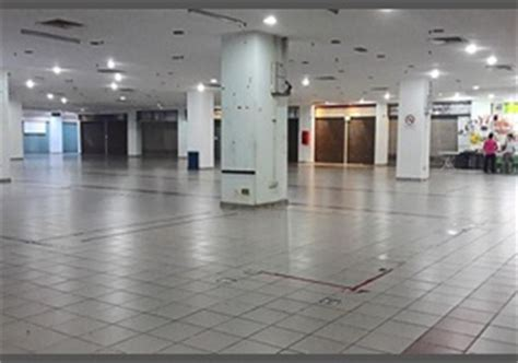 america s malls and department stores are dying off time are america s shopping malls dying debate org