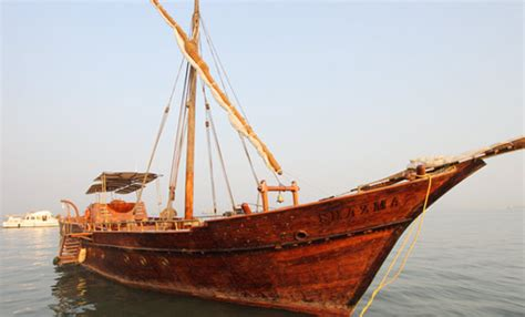 types of boats in the uae traditional dhow yacht charters mumbai