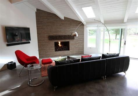 wohnung orange 18 designs f 252 r ein wohnzimmer mit gew 246 lbe decke