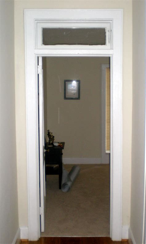 what is a transom what is the purpose of a transom window