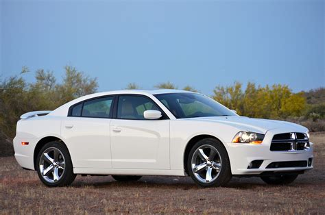 2011 dodge charger review 2011 dodge charger rallye v6 review photo gallery autoblog