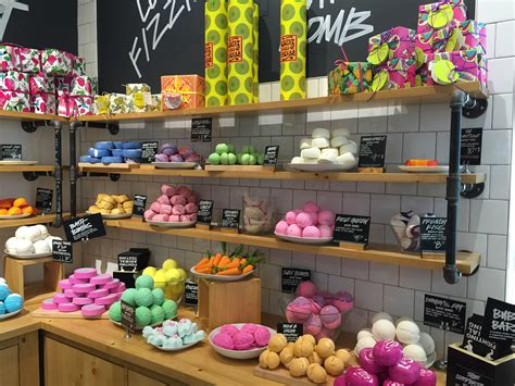 Lush Fresh Handmade Cosmetics Locations - sd store review lush fresh handmade cosmetics style