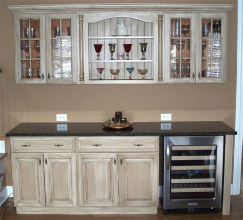 kitchen cabinet refurbishing ideas 25 best ideas about refinish cabinets on how