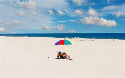 vacation rentals versus hotels for summer savings travel