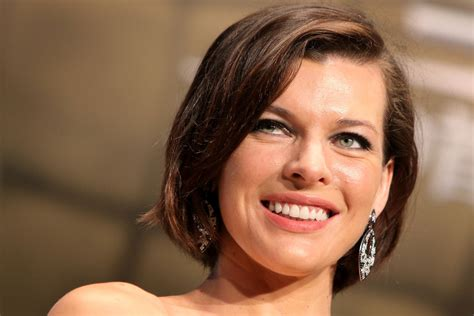 milla jovovich short film milla jovovich bob short hairstyles lookbook stylebistro