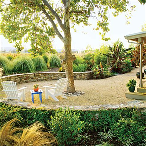 California Backyard Trees by 21 Inspiring Lawn Free Yards Center Stage Grasses And Lawn