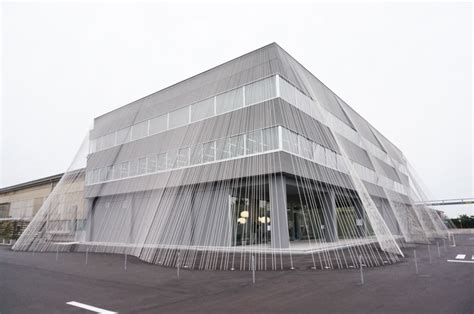 earthquake proof buildings an earthquake resistant building made with carbon fabric