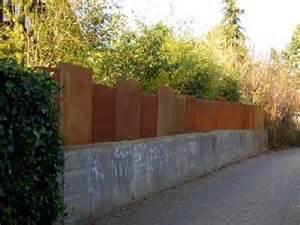 eisenplatten garten zaun und sichtschutz aus rostigem stahl