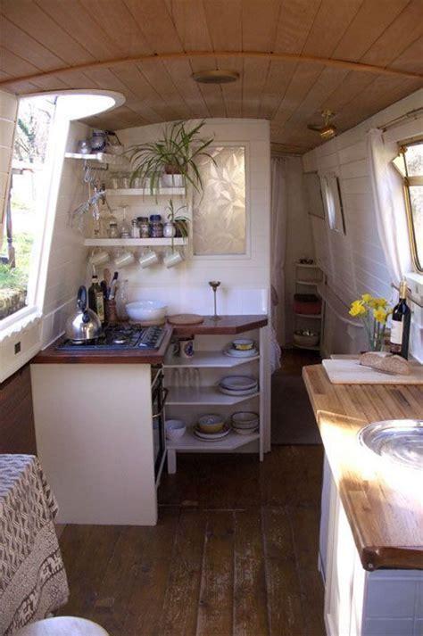 vintage houseboat interiors   venetianmarinaco