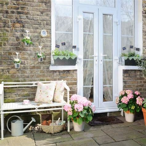 Patio Ideas For Small Gardens Uk Small Patio With Ceramic Planters Patio Garden Ideas Housetohome Co Uk