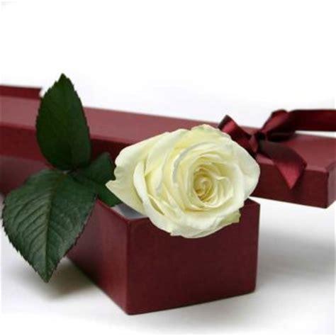 Box A Single White Preserved Flower Represent desire in a box single white