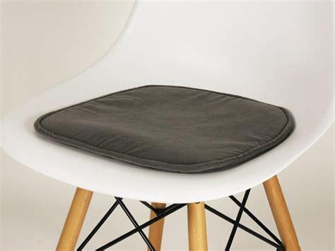 coussin de chaise charles et eames fauteuil designer