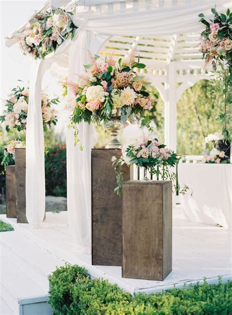 Flower Garden Wedding 43 Delicate Garden Wedding Ideas Weddingomania