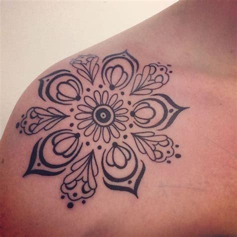 tattoo mandala simple best 25 simple mandala tattoo ideas on pinterest lotus