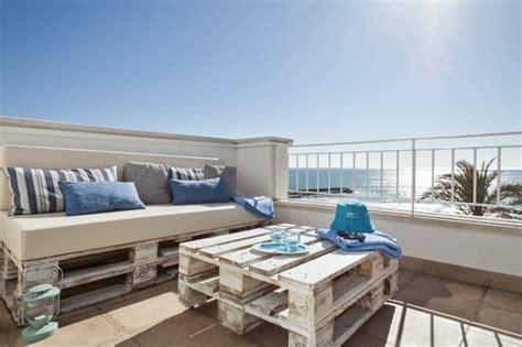 balkon selbst gestalten 33 ideen wie sie den kleinen balkon gestalten k 246 nnen