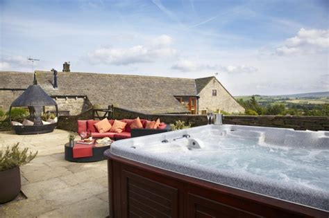 Self Catering Cottages With Tub by Smallshaw Farm Cottages Spa Self Catering Cottage For