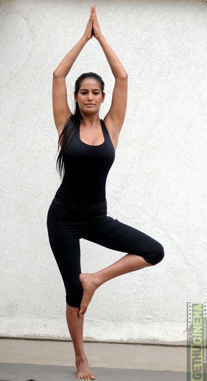hollywood celebrities doing yoga unseen hd photos of celebrities doing yoga gethu cinema