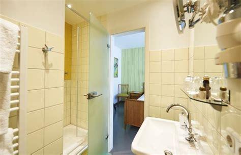 badezimmer 30er jahre design boutique hotel vosteen im stile der 50er jahre in