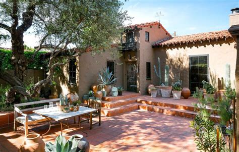 spanish style backyard spanish style backyard home decorating trends homedit