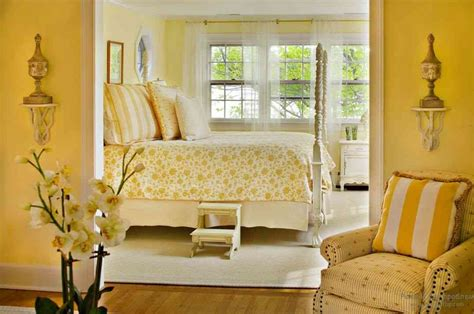 Yellow Bedroom Decorating Tips by Yellow Master Bedroom Decor Ideasdecor Ideas