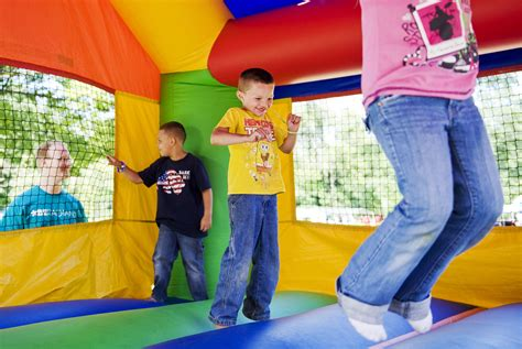 jump houses tips when renting top quality bounce houses jhack
