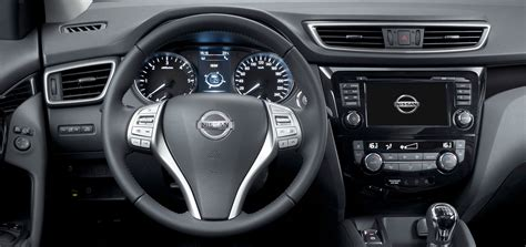 qashqai nissan interior nissan qashqai interior dashboard and ip car body design