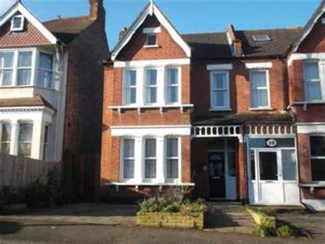 4 bedroom houses for sale in surrey 4 bedroom semi detached house for sale in blenheim gardens wallington sm6