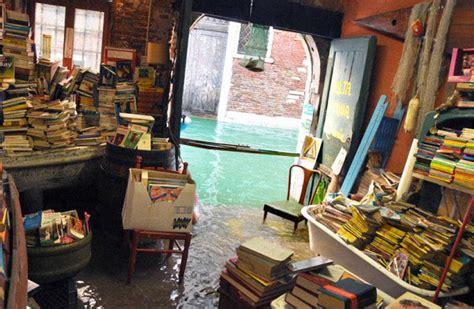 libreria venezia acqua alta libreria acqua alta caract 232 re