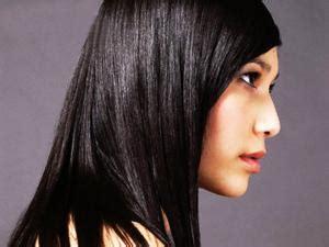 cara catok rambut gelombang tips cara meluruskan rambut yang gelombang dan kriting