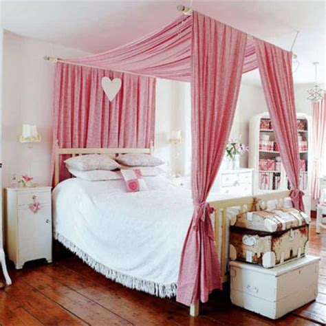 Diy Canopy Bed Frame 25 Dreamy Bedrooms With Canopy Beds You Ll