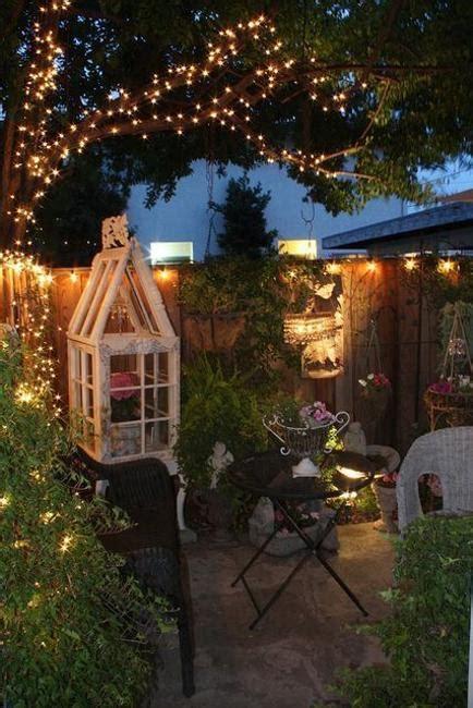 decorating  outdoor lights  romanticize backyard designs