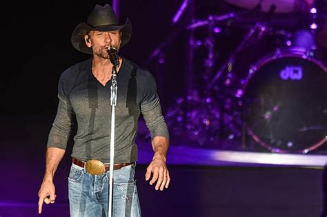 tim mcgraw june the wolf playlist tim mcgraw tops june s chart