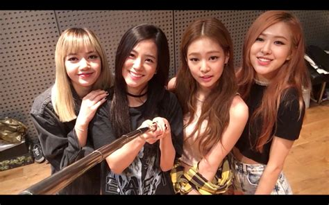blackpink group picture blackpink a thank you to our fans worldwide youtube