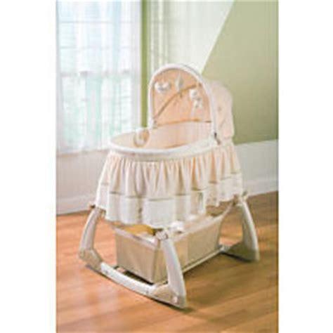 Natures Purest Rocking Crib by Summer Infant Nature S Purest Bassinet Hug Me 64040