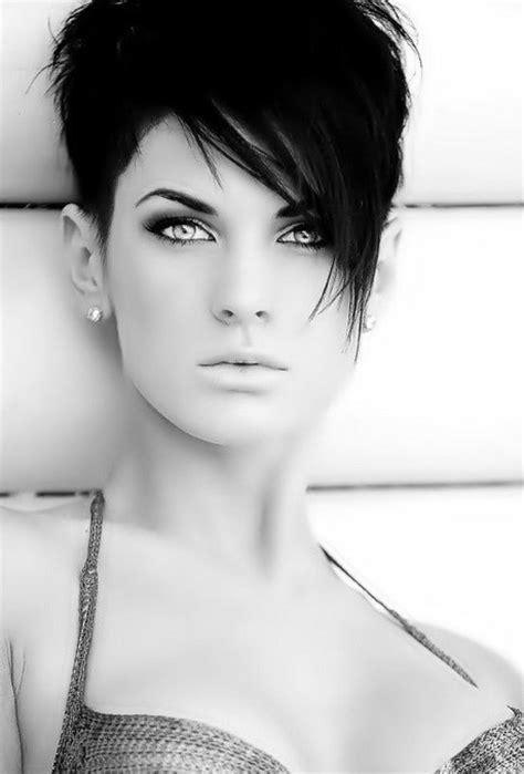 coupe de cheveux court pour femme