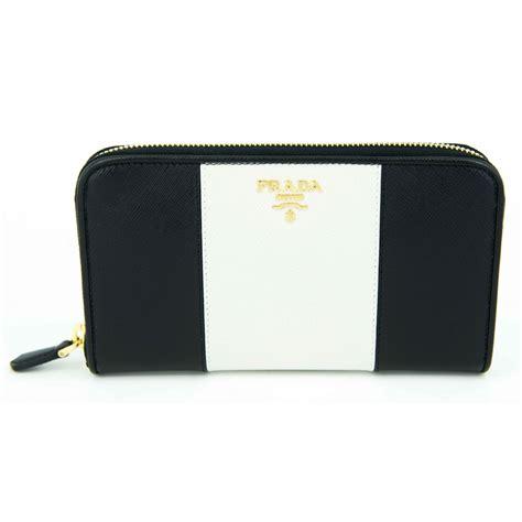 Wallet Hk And Friends New prada wallet