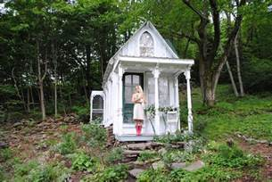 great small houses relaxshacks com ten more wild tiny houses great exles from the movement