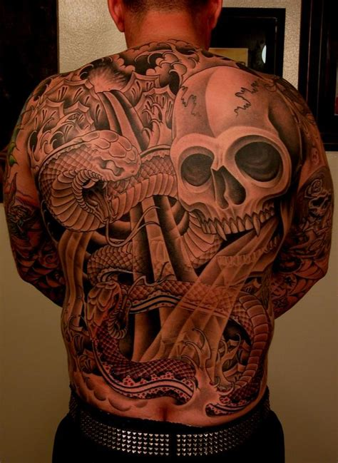 tattoo blog 187 tim hendricks skull back tattoo picture