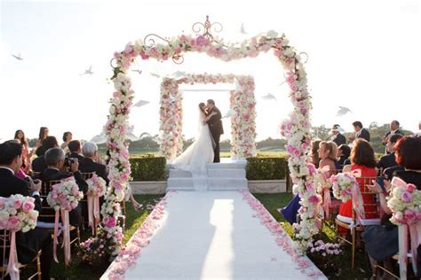 Wedding Ceremony Photos by Wedding Ceremony Flower Ideas The Magazine