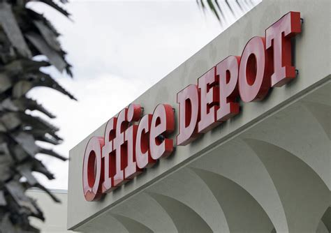 Office Depot Closing Time by Office Depot To 400 Stores After Acquiring Rival