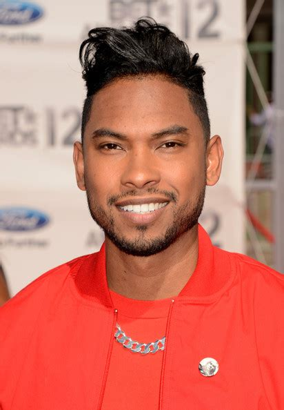 miguel singer hairstyle miguel jontel pimente photos photos 2012 bet awards